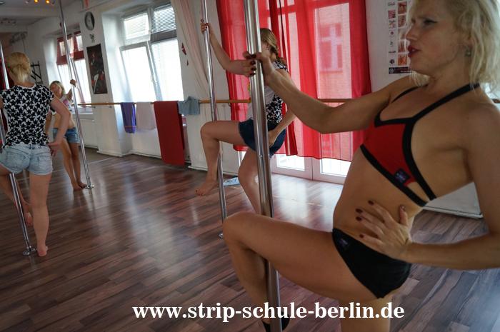 Striptease An Der Schule